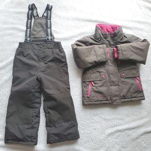 Oshkosh/ Snowsuit/ Size 5